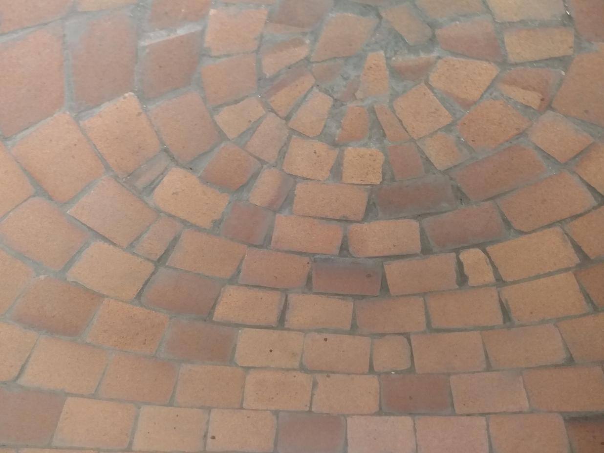 Bricks all cleaned up and mortared as best as poss